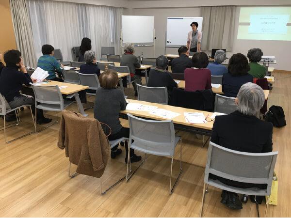 写真 中島幸子さんの講座風景